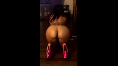 milf latina dancing in pink stripper platform