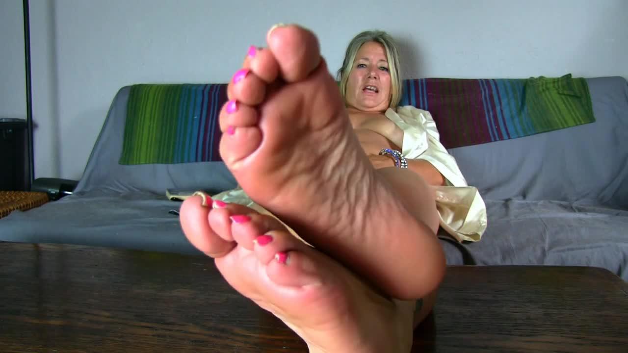 masturbate wifes panties