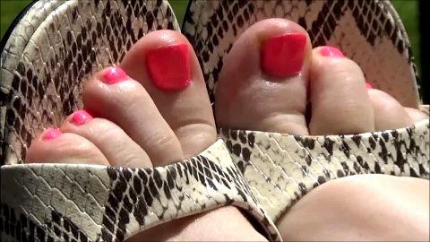 Suzanne's pretty toes