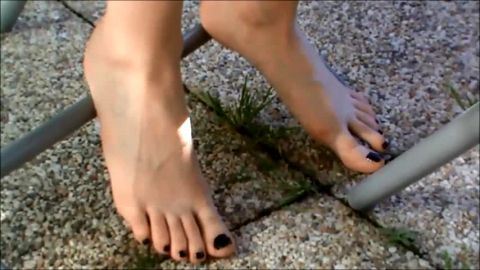 Christine's boyfriend films her feet without she knows