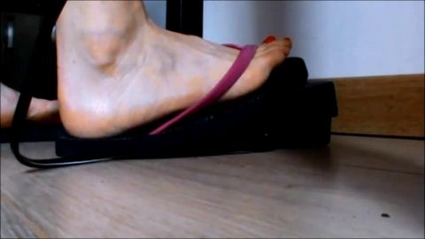 Candid feet video of a french girl who's sewing - pedal pumping