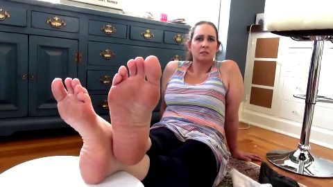 Worship my sexy mature feet