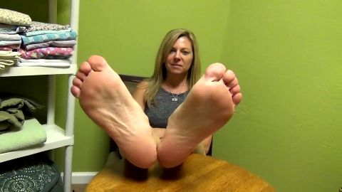 Sexy mature woman next door let me tickle and film her wonderful feet