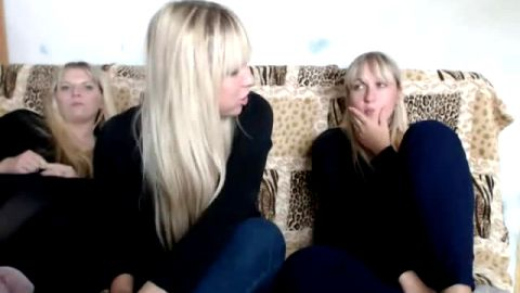 russians blond girls showing her sexy feet on cam
