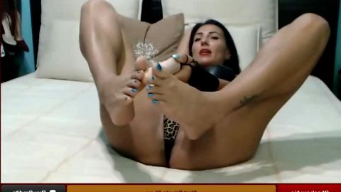 Phenomenal webcam model exposes her magical feet and spreads bald pussy