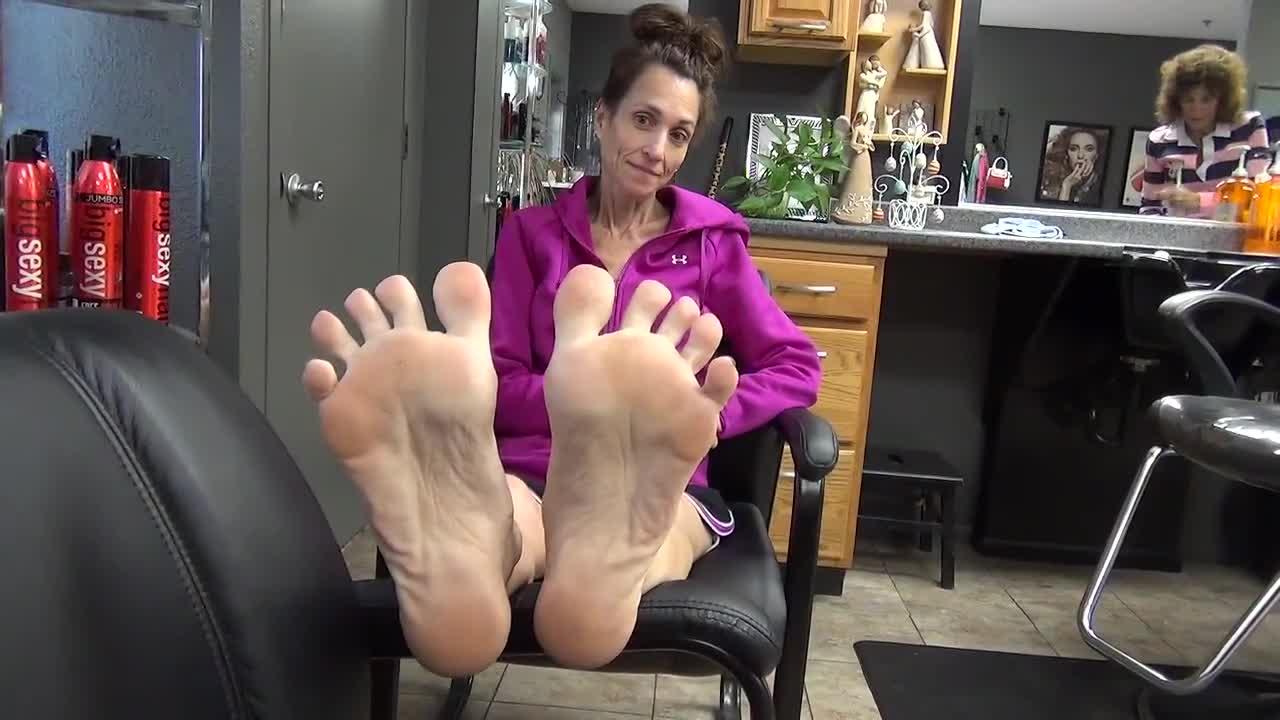Skinny Mature Feet