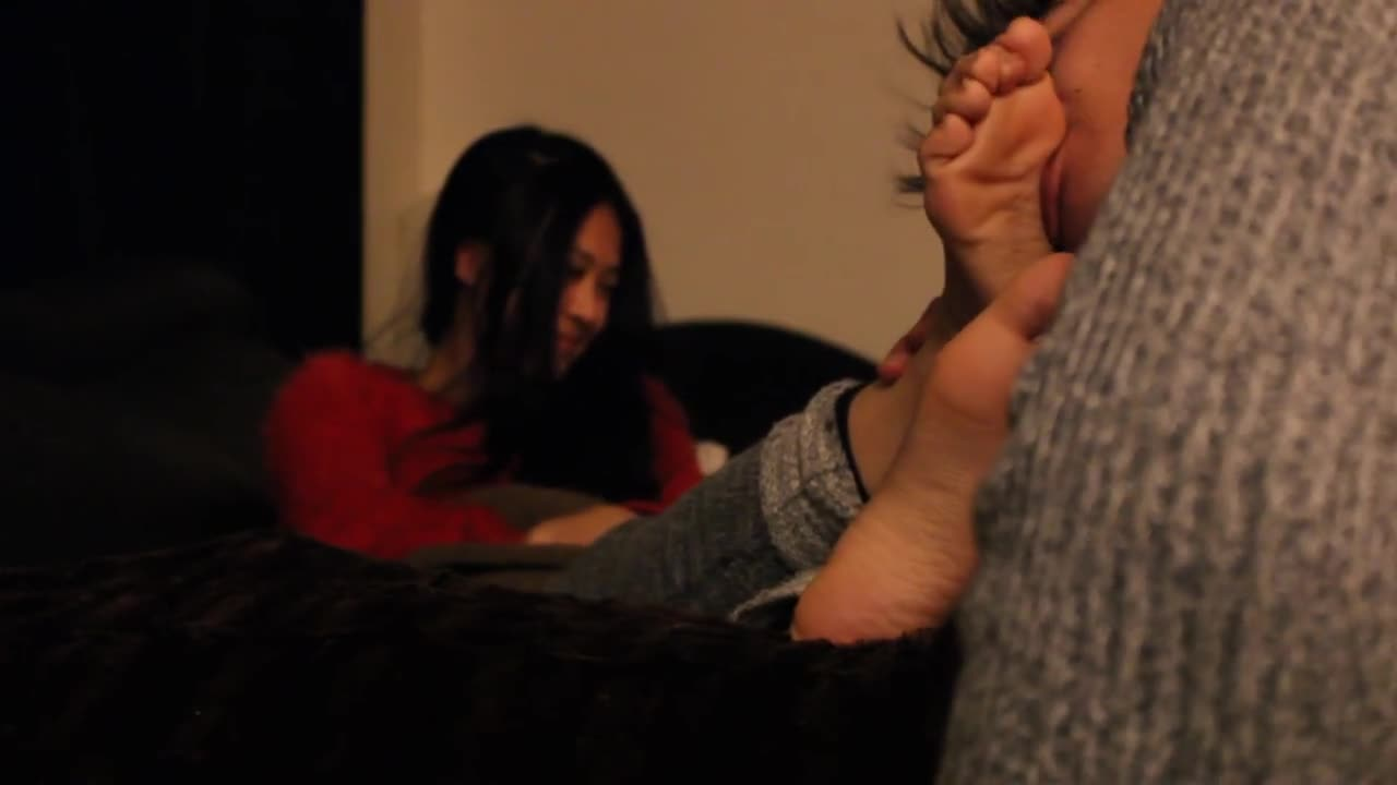 Want Feet Lesbian Worship Hd