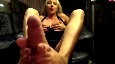 German blonde escort pleased my with her super sexy mature feet