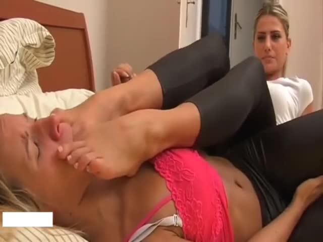 Lesbian Sloppy Feet Worship