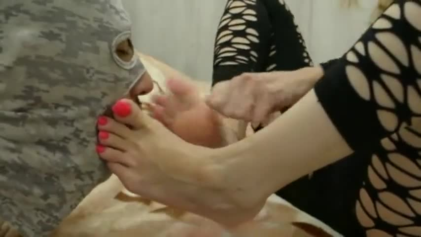 Sexy Soles Foot Worship