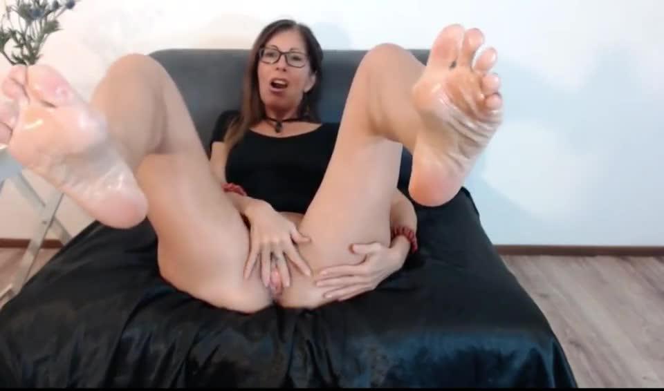 Black bump on anus