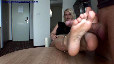 Footjob Casting Blonde