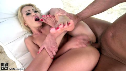 Serbian slut Cherry Kiss sucks her own toes while being anally screwed