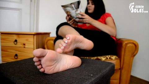 Pervert films a sexy girlfriend's beautiful feet and soles (Czech Soles)