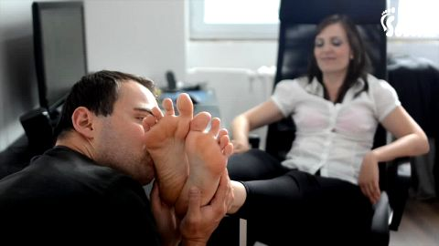 Office lady gets her amazing feet worshipped during lunch break at work (Czech Soles)