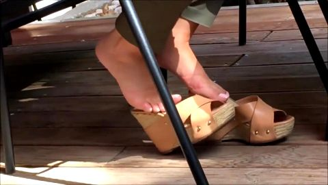 Hot voyeur clip of attractive female amateur feet in public