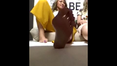 Spectacular barefoot Japanese chick shows off her hot feet and toes at the event
