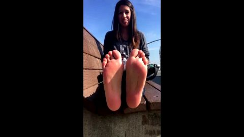 teen with sexy feet and blue toes wearing braces