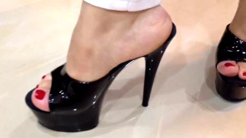 Thick lady tries out her brand new shiny high heel shoes