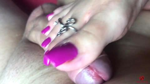Sexy Lena's Hot Footjob