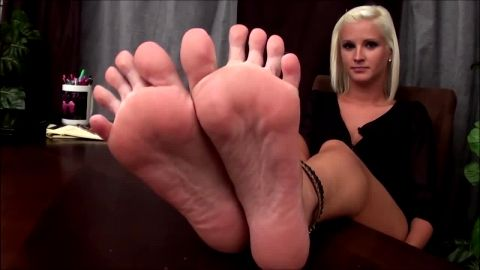 Smoking hot office blonde talks about her sexy feet ans shows them off at work