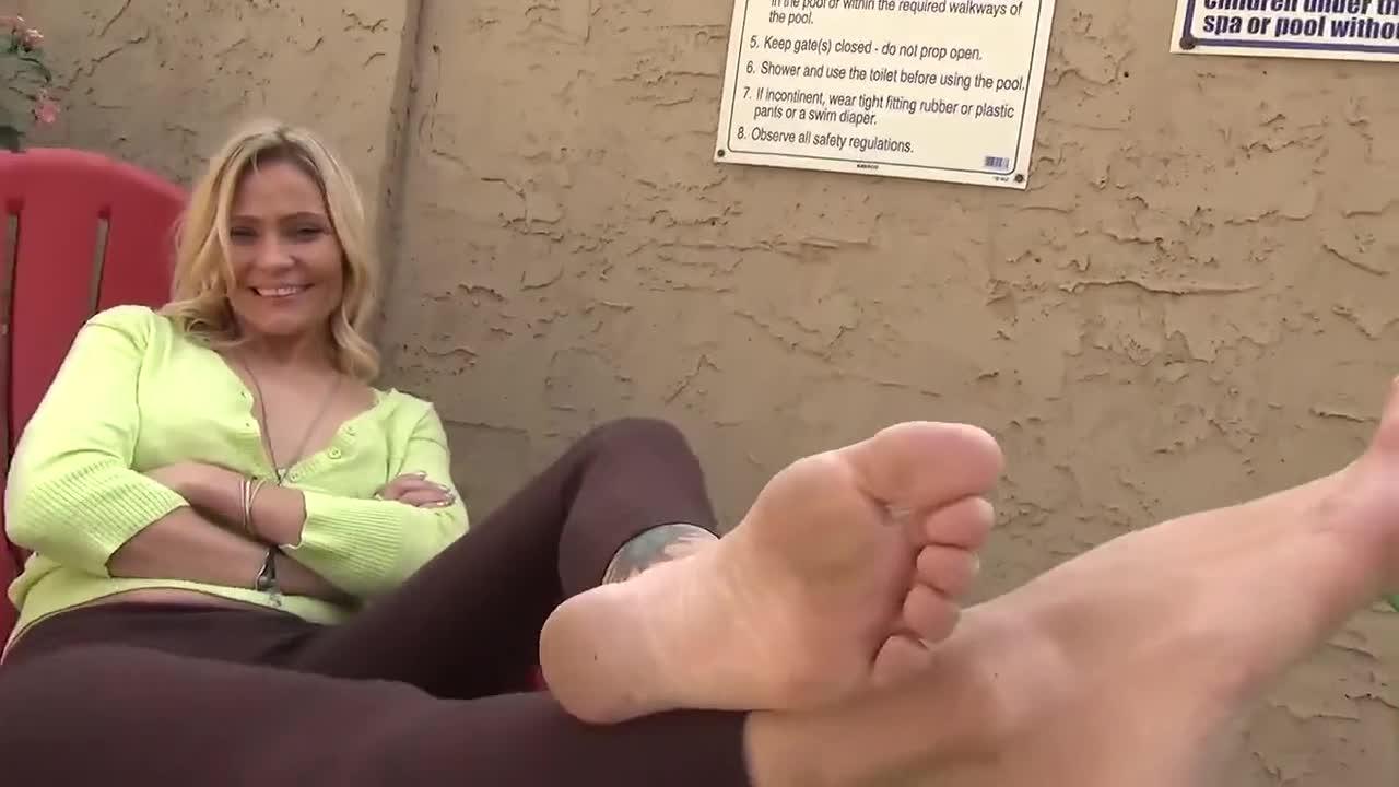Blonde Mature Feet
